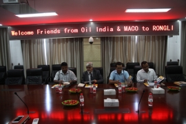 India customers come to the company to discuss cooperation.